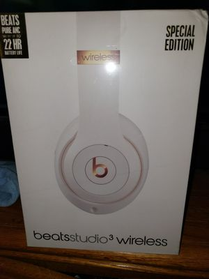 NEW IN BOX DR DRE BEATS studio 3 WIRELESS SPECIAL EDITION PRICE IS FIRM for Sale in Colton, CA