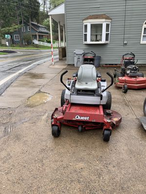 52 inch EXMARK QUEST 25 hp With Steel bagger for Sale in Pittsburgh, PA