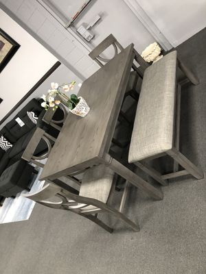 Gray Dining Table Set w/ Bench for Sale in Fresno, CA