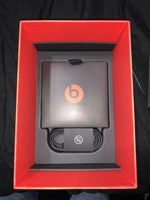 Beats Solo 3 wireless for Sale in Bakersfield, CA