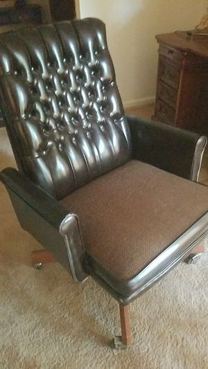 Nice office chair for Sale in Lithonia, GA