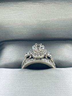Diamond wedding ring set, 10k white gold, ring size: 4.5 for Sale in Miami,  FL