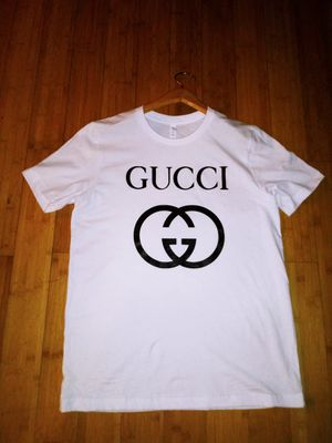 Gucci Tshirt for Sale in Snellville, GA