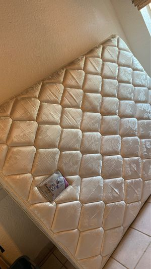 Queen size mattress for Sale in Ceres, CA