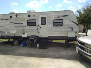 2013 Summerland RV, 27 ft with a slide out!! for Sale in Houston, TX
