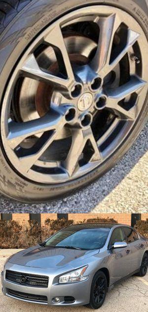 Price$1200 Nissan Maxima for Sale in Summit, IL