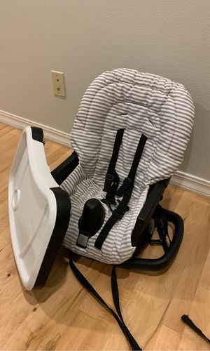 Graco booster chair for Sale in Arlington, WA