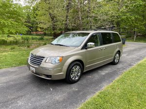 2008 town and country minivan for Sale in Hagerstown, MD