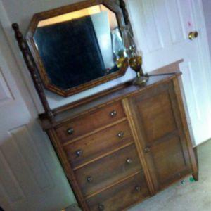 Antique vanity wash table dresser for Sale in Charlotte, NC