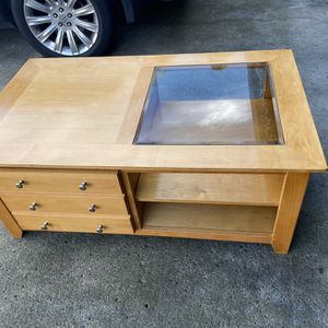 "Coffee table solid wood 29"" x 50"" x 20""H for Sale in Vancouver, WA"