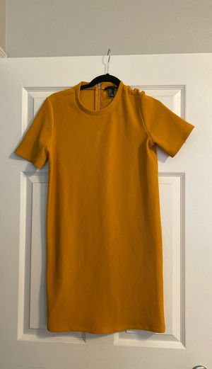 Forever 21 Yellow Dress! for Sale in Apollo Beach, FL