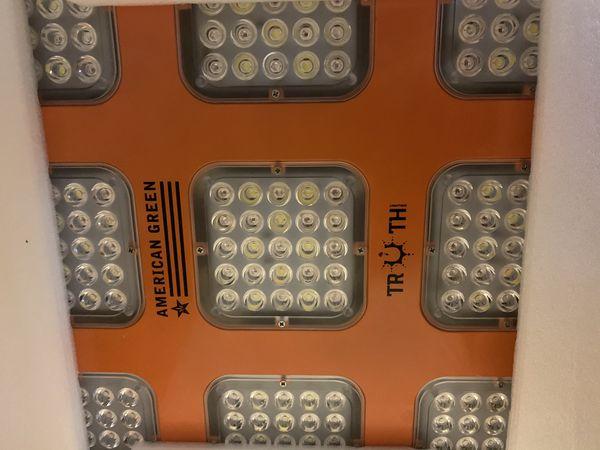 Truth Lighting LED - M9 - 9 Module LED Grow Light