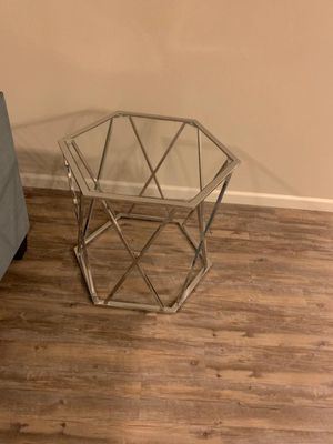 Side Table for Sale in Aliso Viejo, CA