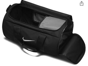 Nike Duffle Gym Bag for Sale in Brooklyn, NY