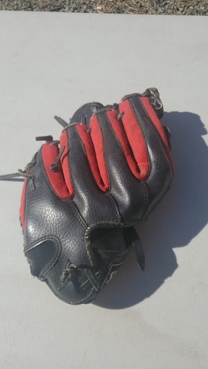Baseball glove for Sale in American Canyon, CA