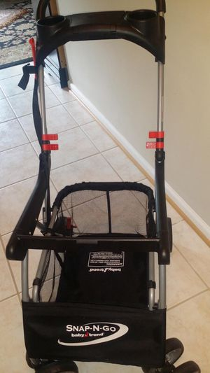 Baby trend universal snap n go stroller in new condition for Sale in Alexandria, VA