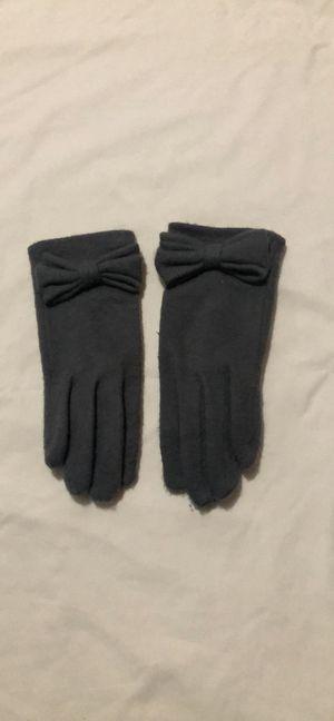 Grey gloves for Sale in Greenacres, WA