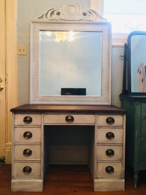 Vintage Vanity & Mirror Set for Sale in Salt Lake City, UT