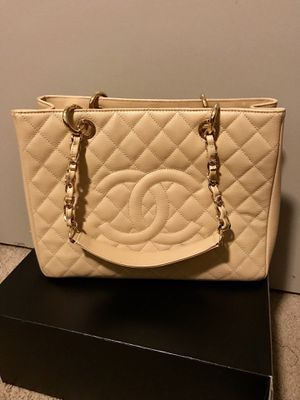 Authentic Chanel bag for Sale in San Diego, CA