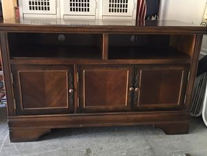 Beautifully crafted premium TV entertainment center console media 50 x 20 x 29 1/2 for Sale in Long Beach, CA