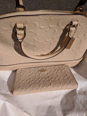 BRAND NEW COACH PURSE AND WALLET for Sale in Silverdale, WA