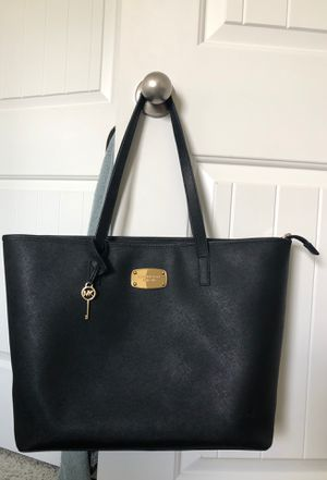 Michael Kors black tote purse for Sale in Pflugerville, TX