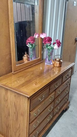 BEAUTIFUL DRESSER 7 DRAWERS WITH MIRROR for Sale in Fairfax, VA