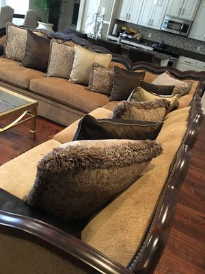 Very large like new sectional $1800 for Sale in Jacksonville, AR