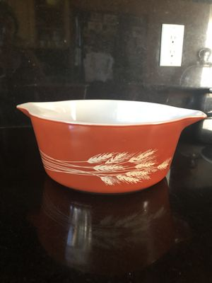 Vintage Pyrex 2.5 qts for Sale in Los Angeles, CA