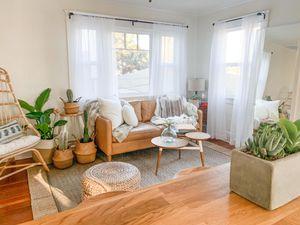 Hamilton Leather Sofa for Sale in Marina del Rey, CA