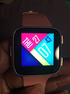 Fitbit versa for Sale in Cary, NC