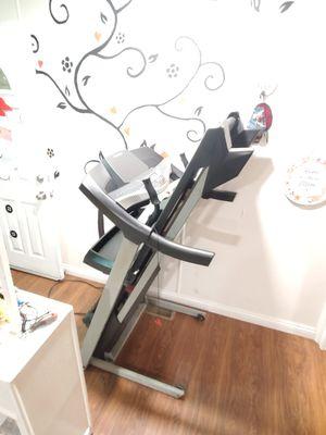 Treadmill proform. ^^^Power incline ..speaker.. foldable^^^^ for Sale in Jurupa Valley, CA