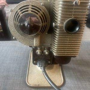 8mm Film Projector VINTAGE for Sale in Seattle, WA