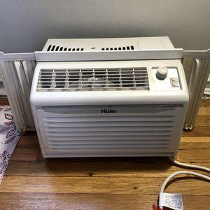 HAIER Portable Window AC unit for Sale in Philadelphia, PA