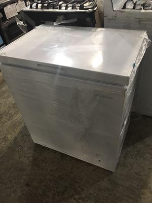 INSIGNIA White Chest Freezer !!!! for Sale in Chula Vista, CA