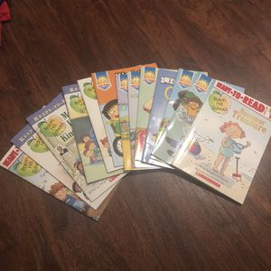 Kids books for beginners set of 13 total for Sale in Boynton Beach, FL