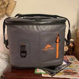 Ozark Trail Cooler for Sale in Vancouver, WA