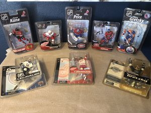 Various NHL Action Figures including Series 1 Legends Edition Wayne Gretzky for Sale in Riverview, FL