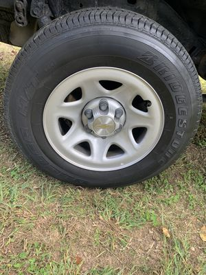 Stock GM wheel/tire set for Sale in Sutherland, VA