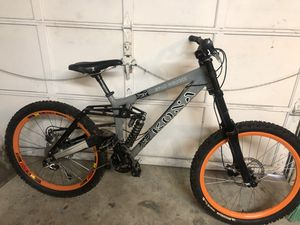 Kona stab deluxe downhill bike for Sale in Snohomish, WA
