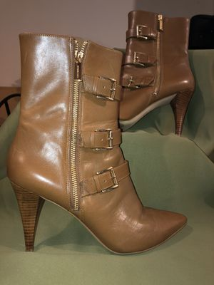 Michael Kors brown leather heel boots size 11 for Sale in North Ridgeville, OH