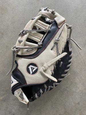 """Akadema 11.5"""" First baseman's baseball glove for Sale in Issaquah, WA"""