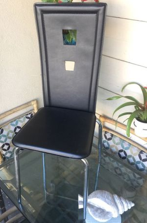 Modern black dinning chair for Sale in Bell Gardens, CA