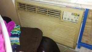 Ac window unit 12000 btu for Sale in Belle Isle, FL