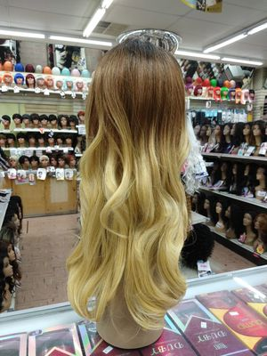 NA. Long ombre lace front wig for Sale in S CHESTERFLD, VA