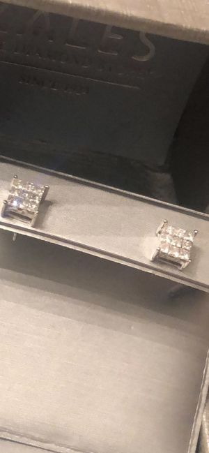 Real gold and diamonds sales earrings for Sale in Dallas, TX