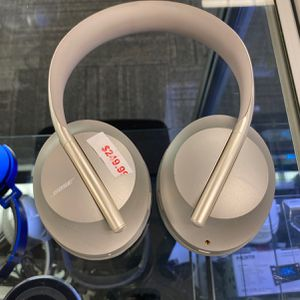 Bose Noise Canceling 700 for Sale in Springfield, PA