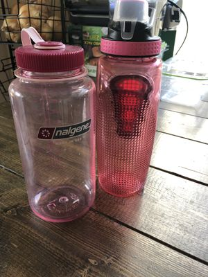2 water bottles- nalgene 32 wide mouth plastic bpe free pink for Sale in Saint Paul, MN