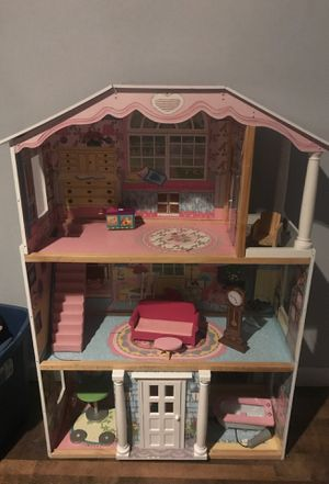 Doll house with accessories for Sale in Broomfield, CO