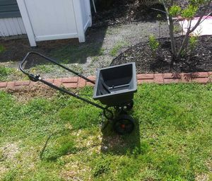 Seed spreader for Sale in Tampa, FL